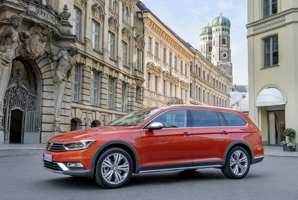 Nuova Volkswagen Passat Alltrack foto ed informazioni ufficiali - Foto 27 di 28