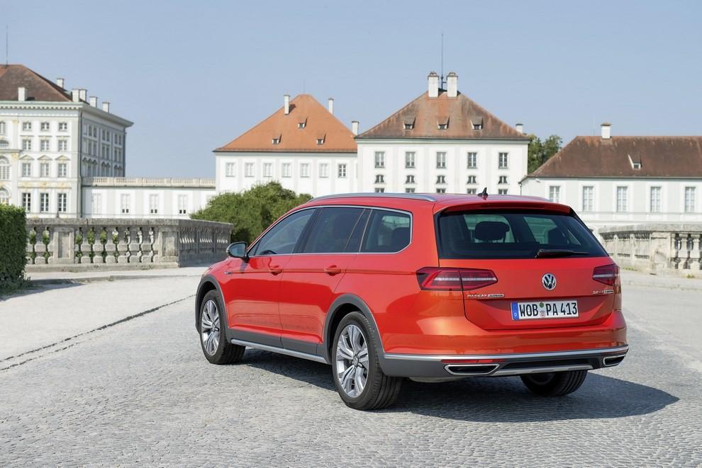 Nuova Volkswagen Passat Alltrack foto ed informazioni ufficiali - Foto 28 di 28