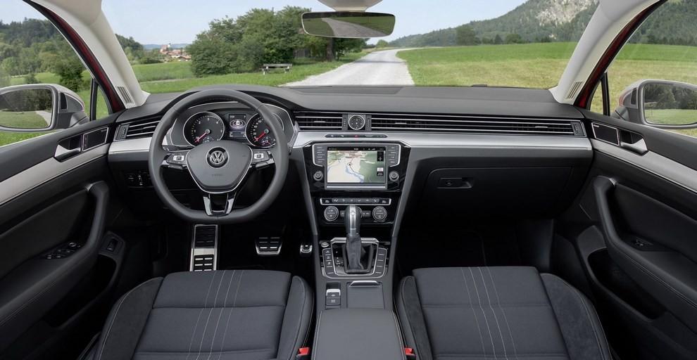 Nuova Volkswagen Passat Alltrack foto ed informazioni ufficiali - Foto 23 di 28