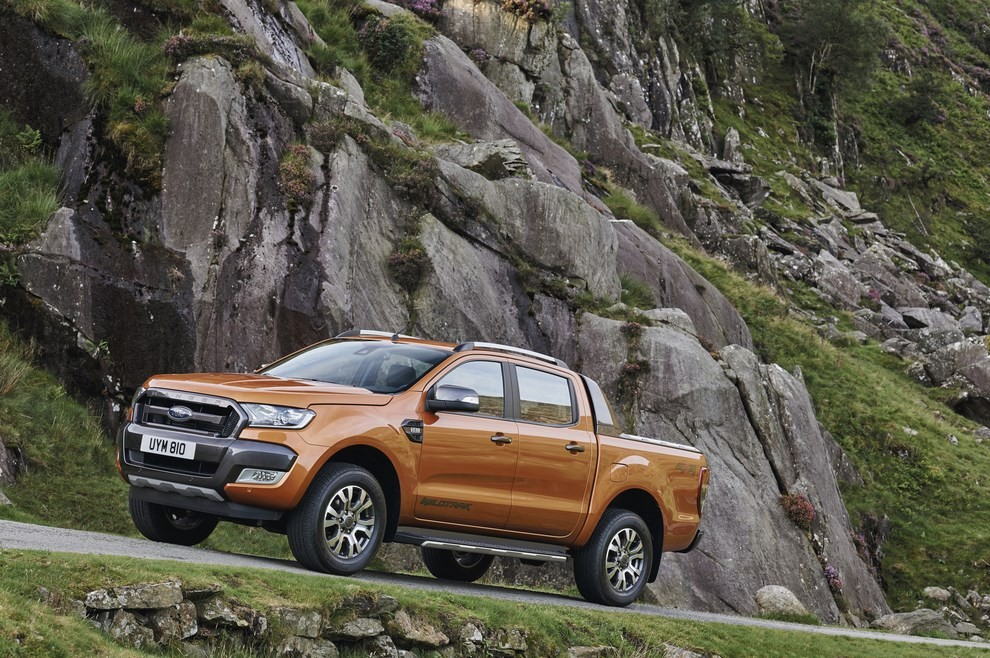 Ford Ranger, il pick-up si rifà il look - Foto 15 di 18