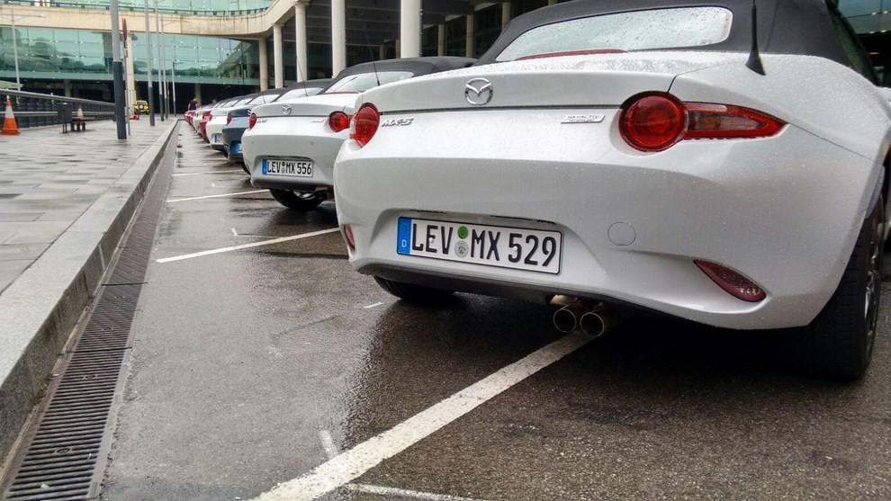 Nuova Mazda MX-5 provata su strada a Barcellona - Foto 12 di 21
