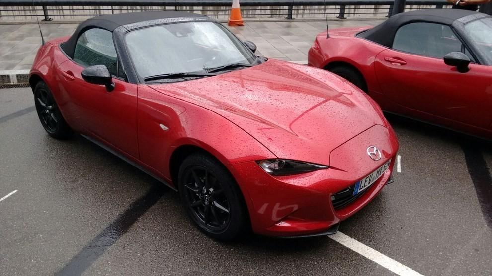 Nuova Mazda MX-5 provata su strada a Barcellona - Foto 13 di 21