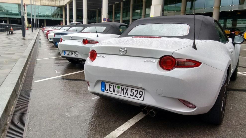 Nuova Mazda MX-5 provata su strada a Barcellona - Foto 15 di 21