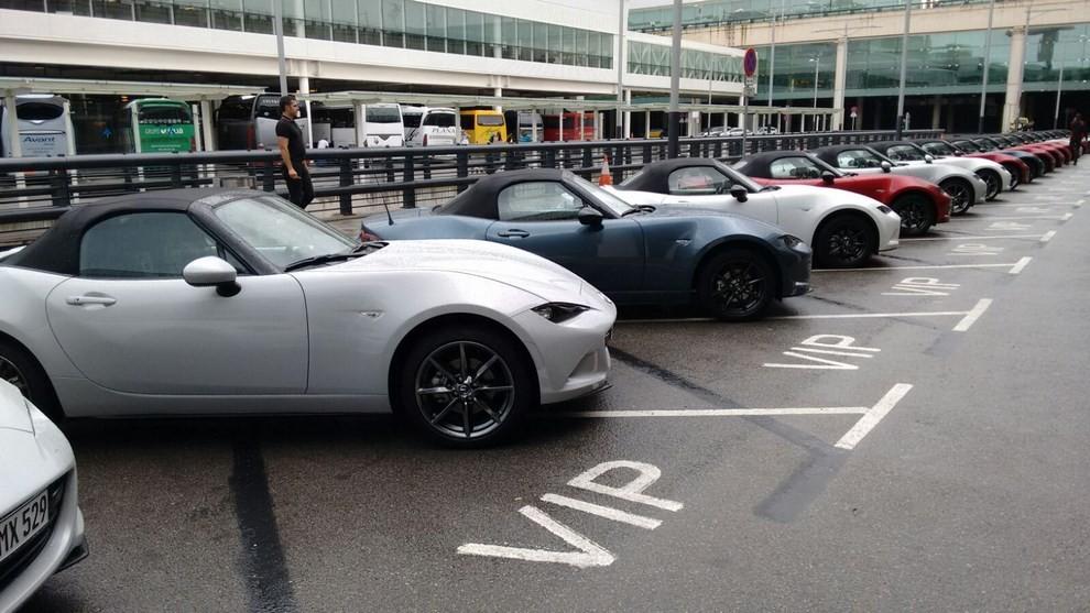 Nuova Mazda MX-5 provata su strada a Barcellona - Foto 2 di 21