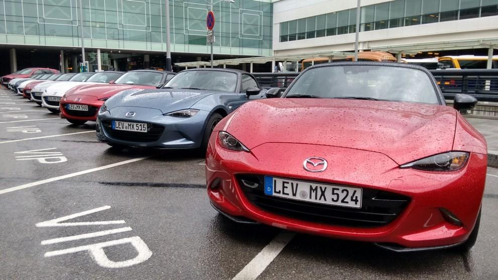 Nuova Mazda MX-5 provata su strada a Barcellona - Foto 6 di 21