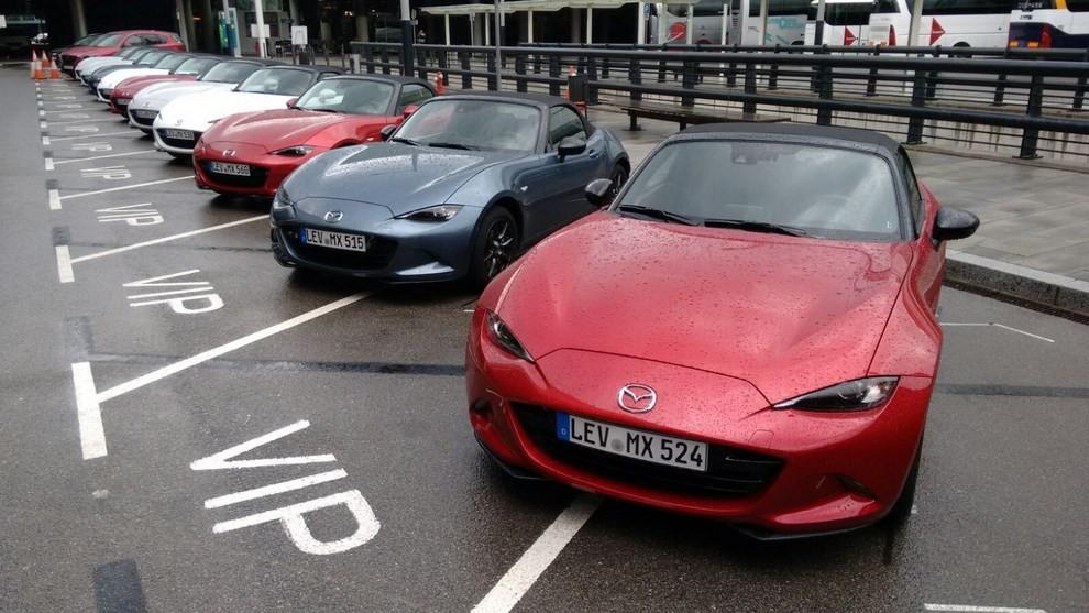 Nuova Mazda MX-5 provata su strada a Barcellona - Foto 10 di 21
