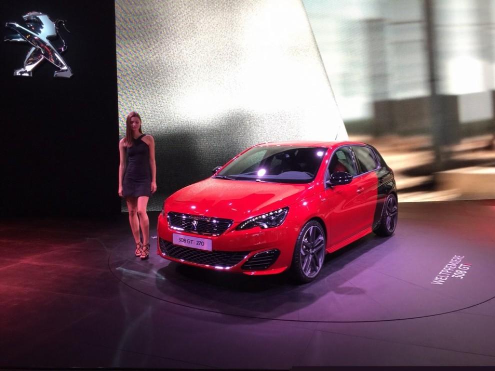 Peugeot 308 GTi, prezzi ed informazioni per l'Italia - Foto 6 di 12