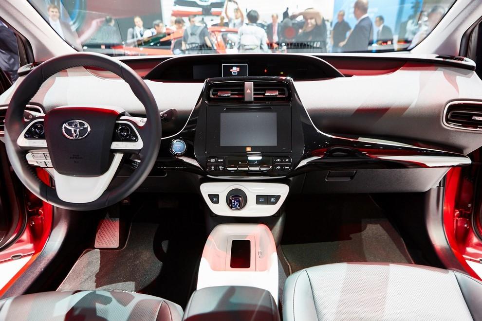 Nuova Toyota Prius, efficienza all'ennesima potenza - Foto 9 di 20
