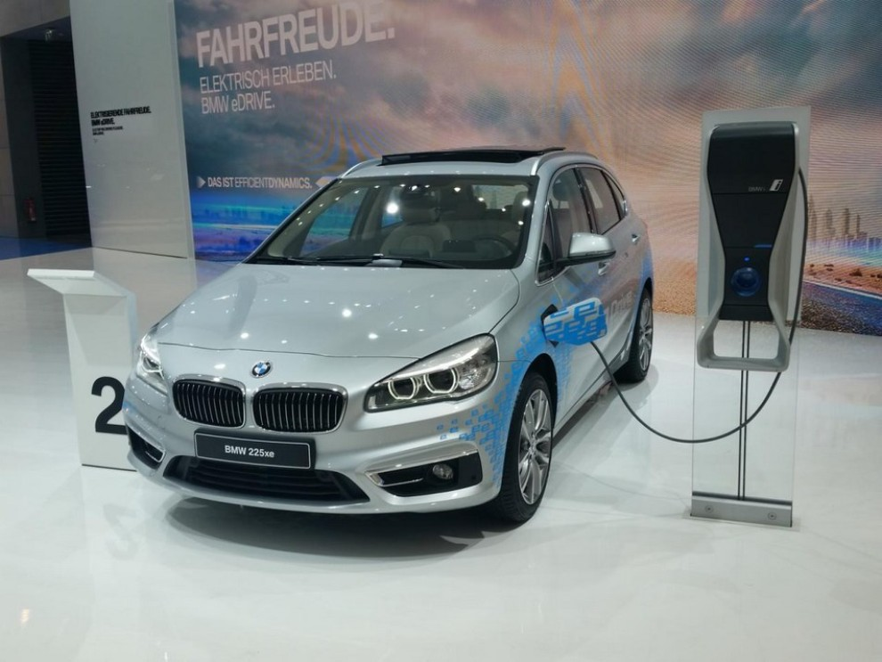 BMW Serie 2 Active Tourer ibrida plug-in - Foto 5 di 7