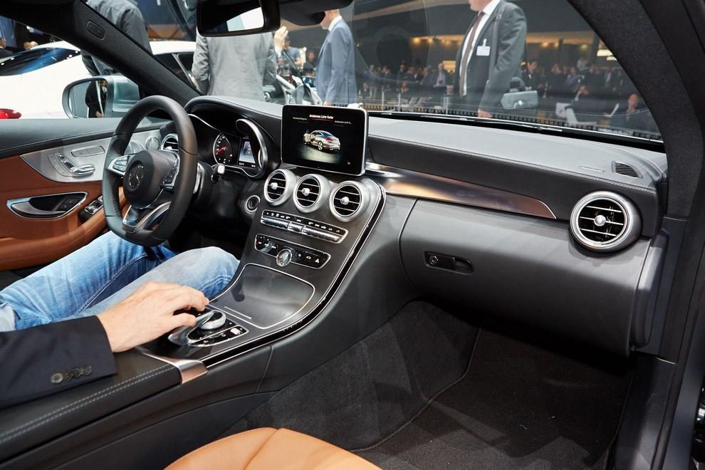 Mercedes Classe C Coupè, prime foto ed informazioni ufficiali - Foto 3 di 17