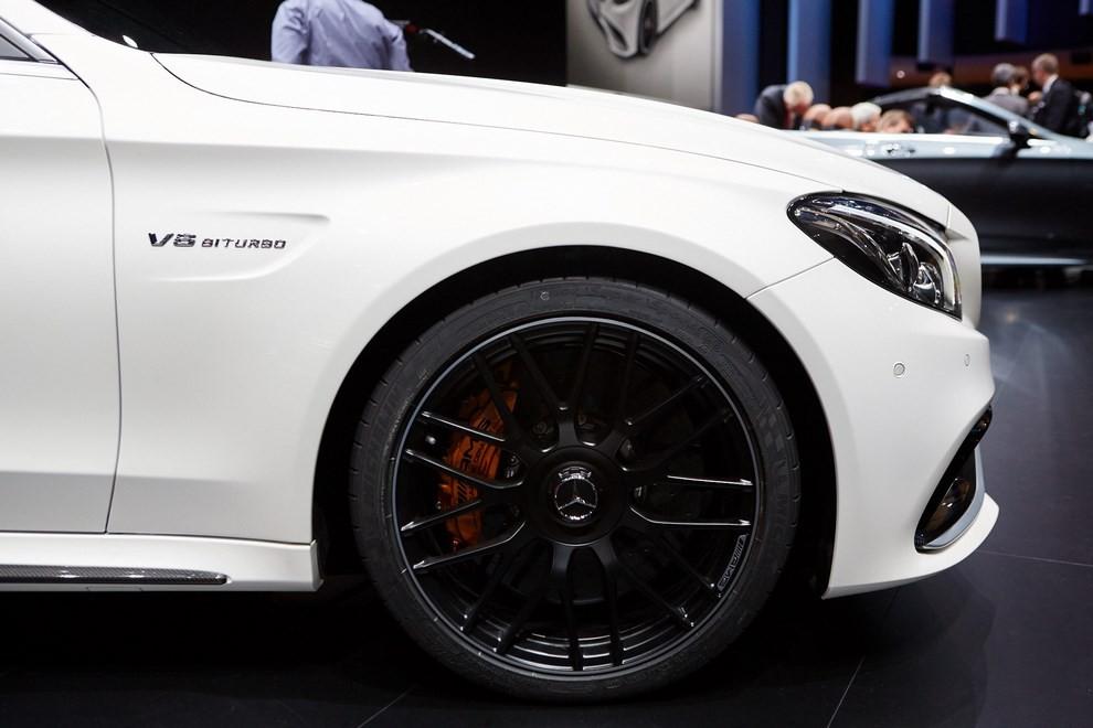 Mercedes Classe C Coupè, prime foto ed informazioni ufficiali - Foto 9 di 17