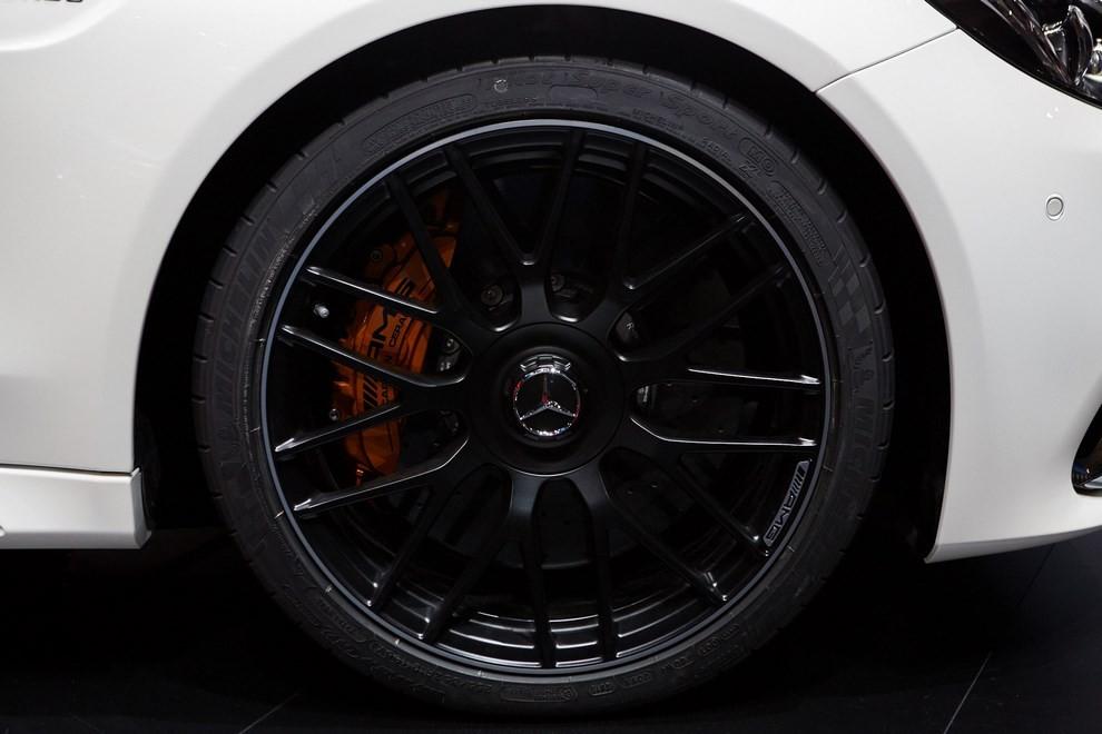 Mercedes Classe C Coupè, prime foto ed informazioni ufficiali - Foto 10 di 17