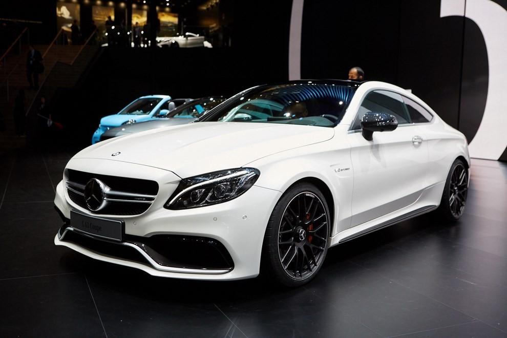 Mercedes Classe C Coupè, prime foto ed informazioni ufficiali - Foto 12 di 17