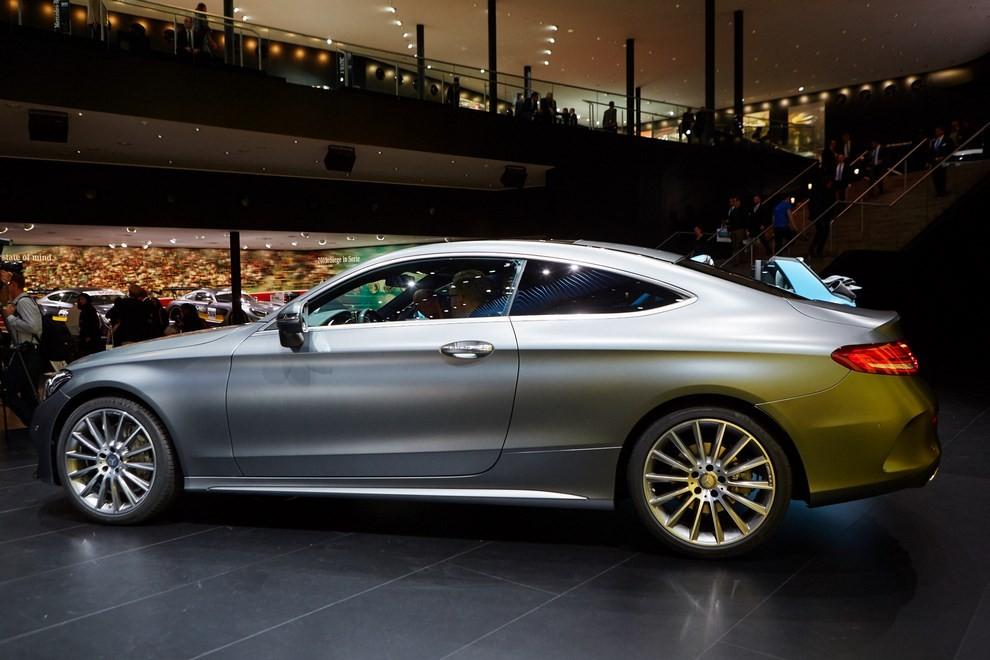 Mercedes Classe C Coupè, prime foto ed informazioni ufficiali - Foto 16 di 17