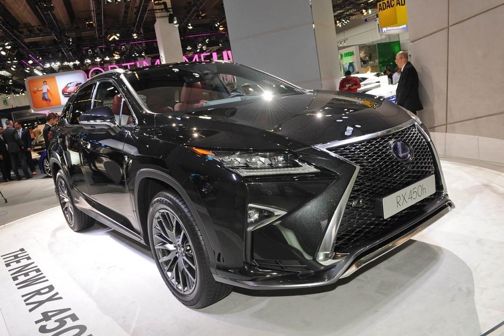 Nuova Lexus RX 450H ora con 313 CV - Foto 1 di 17