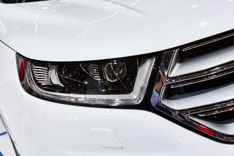 Ford Edge, le specifiche del suv per l'Europa - Foto 4 di 11