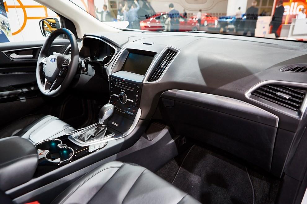 Ford Edge, le specifiche del suv per l'Europa - Foto 7 di 11