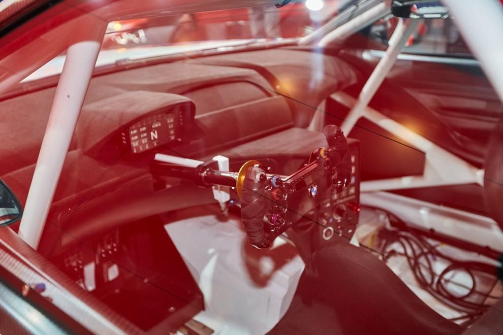 BMW M6 GT3 - Foto 13 di 23