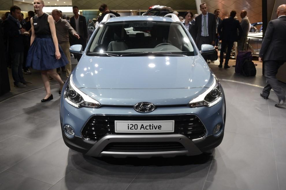 Hyundai i20 Active, la compatta offroad - Foto 7 di 14
