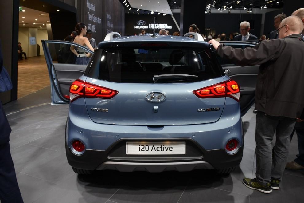 Hyundai i20 Active, la compatta offroad - Foto 12 di 14