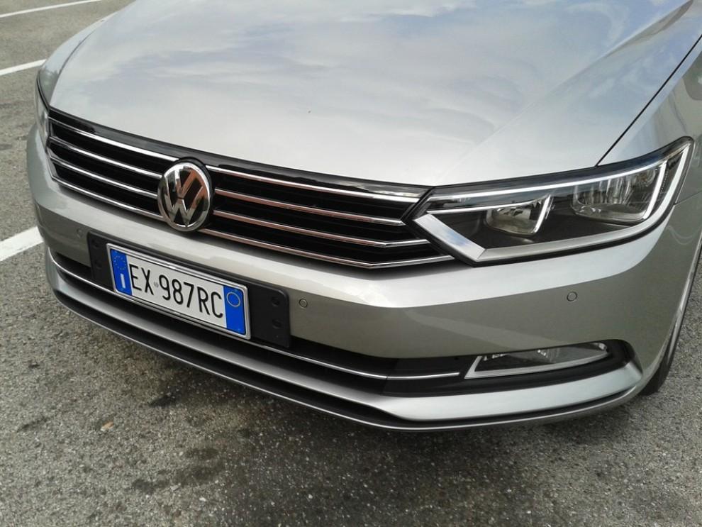 Volkswagen Passat Variant 2.0 TDI Businessline, il test drive - Foto 7 di 9