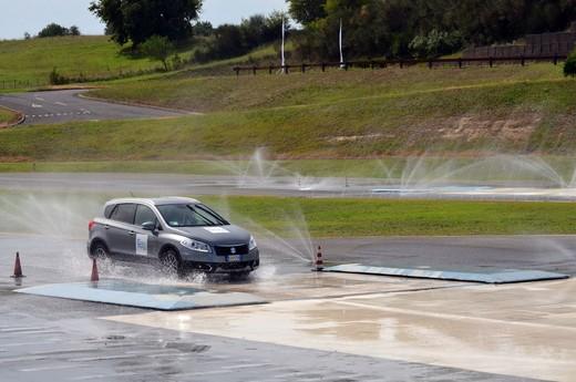 Suzuki protagonista del nuovo programma di La7 sulla guida sicura