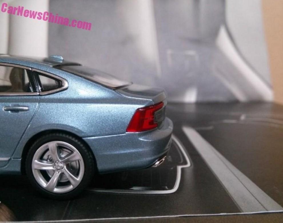 Volvo S90, la scopriamo giocando - Foto 9 di 14