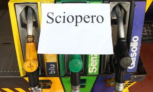 Sciopero dei benzinai in autostrada il 20 e 21 ottobre
