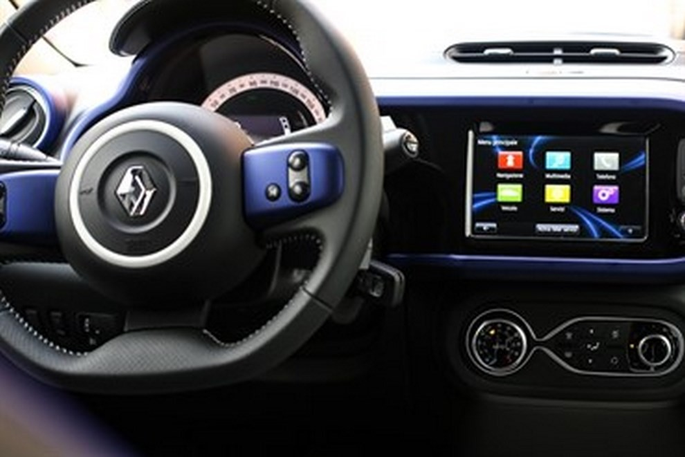 Renault Twingo Lovely l'auto del glam - Foto 3 di 6