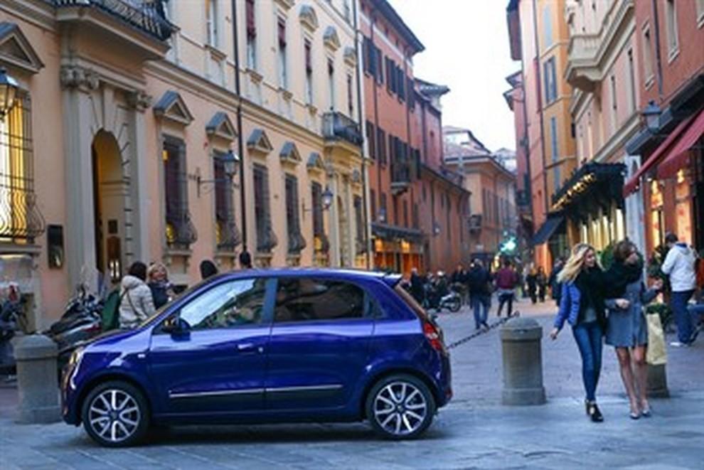 Renault Twingo Lovely l'auto del glam - Foto 5 di 6