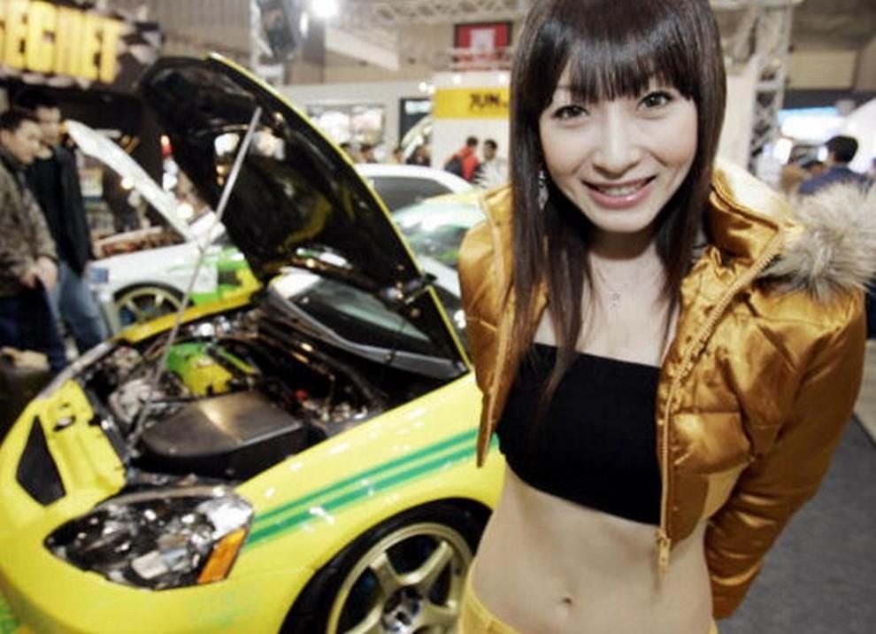 Tutte le più belle ragazze del Tokyo Motor Show 2015 - Foto 3 di 27