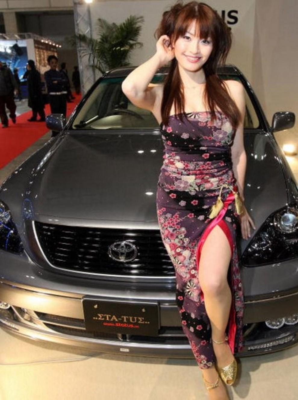 Tutte le più belle ragazze del Tokyo Motor Show 2015 - Foto 12 di 27