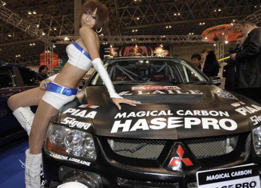 Tutte le più belle ragazze del Tokyo Motor Show 2015 - Foto 14 di 27