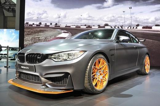 BMW M4 GTS, 500 CV per soli 700 fortunati