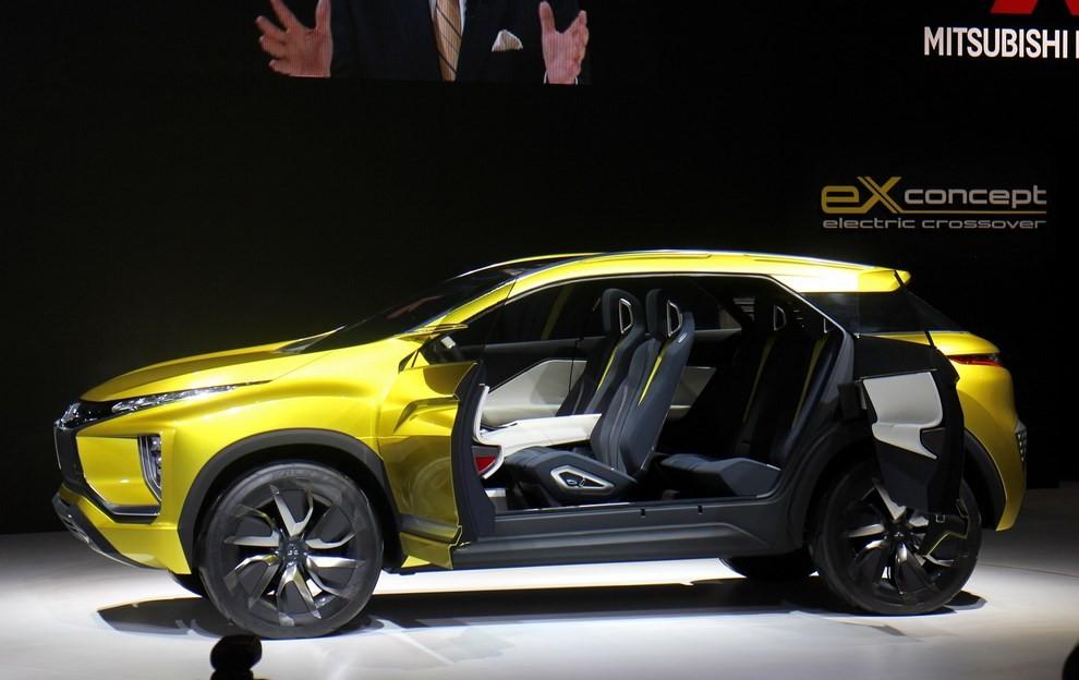 Mitsubishi eX Concept - Foto 11 di 12