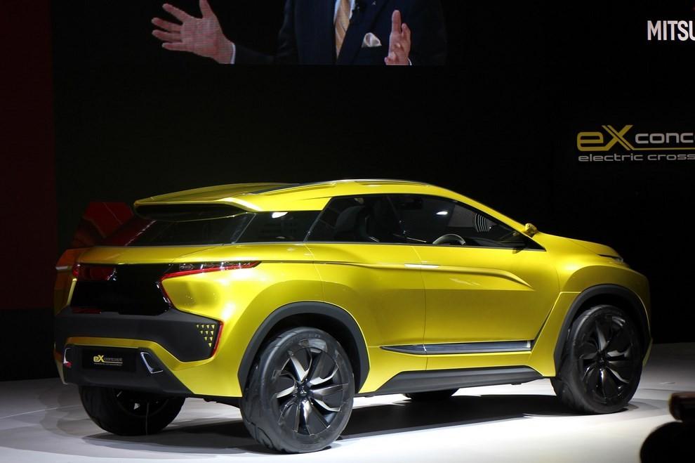 Mitsubishi eX Concept - Foto 9 di 12