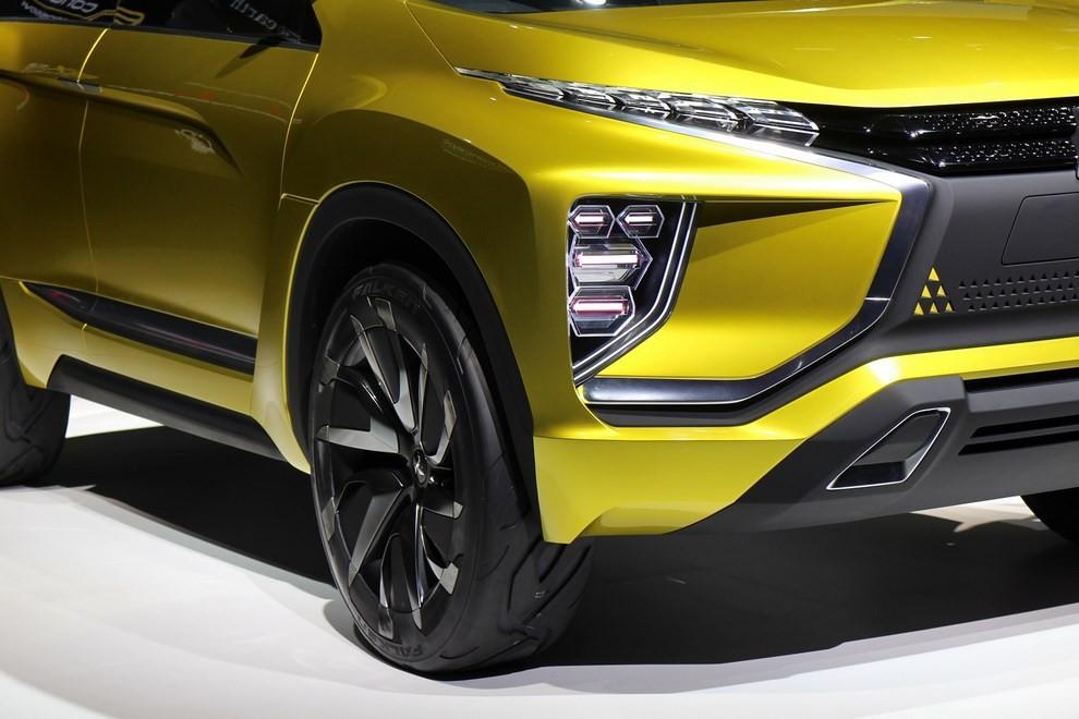 Mitsubishi eX Concept - Foto 7 di 12
