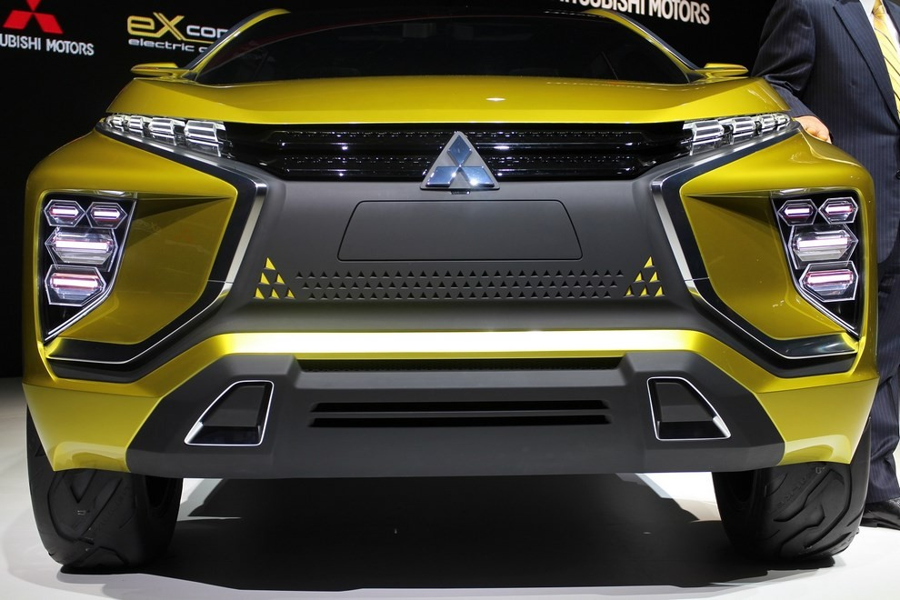 Mitsubishi eX Concept - Foto 5 di 12