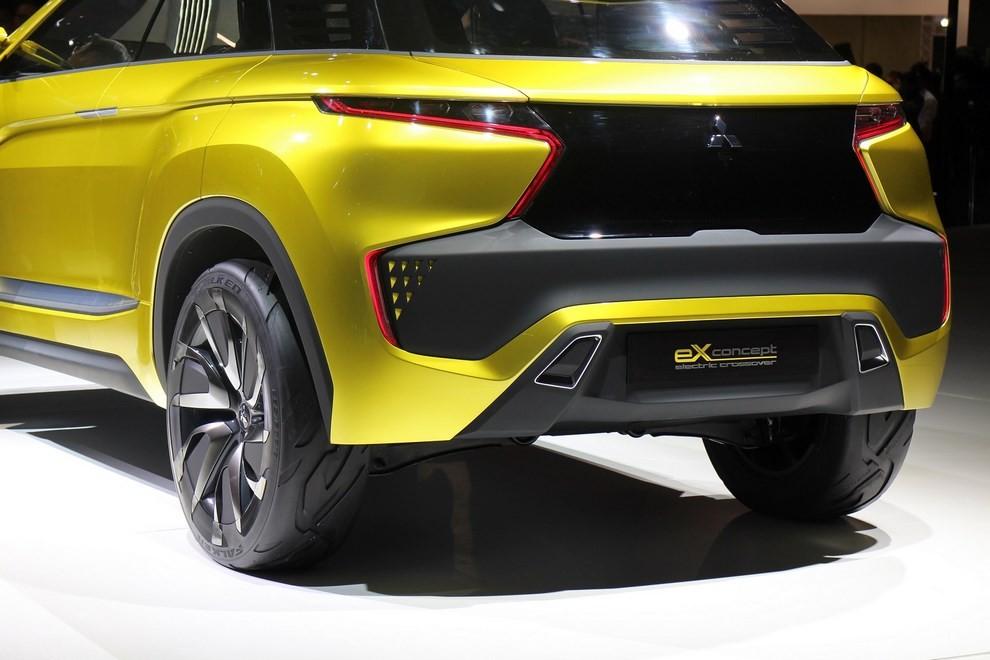 Mitsubishi eX Concept - Foto 4 di 12