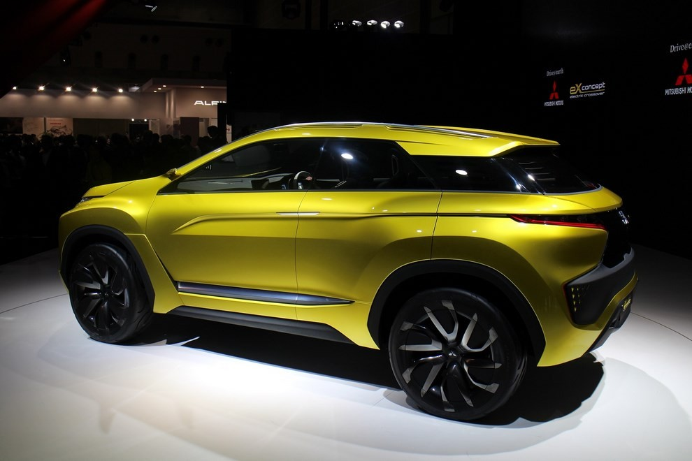 Mitsubishi eX Concept - Foto 2 di 12