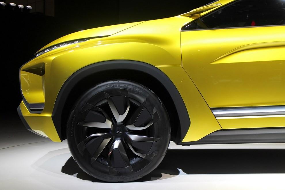 Mitsubishi eX Concept - Foto 1 di 12