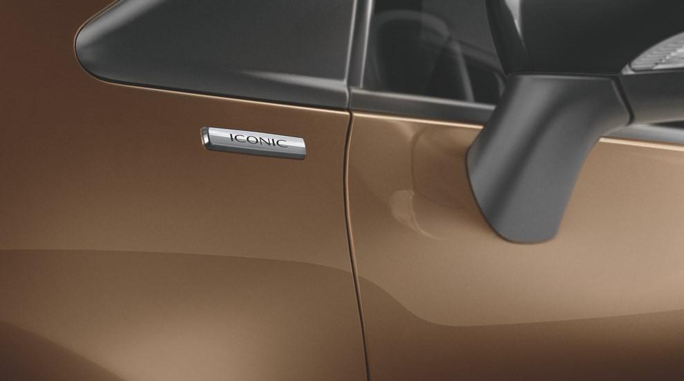 Renault Captur Iconic ed Excite, prova su strada delle nuove versioni top di gamma - Foto 6 di 23