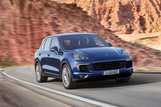Porsche sospende volontariamente le vendite della Cayenne Diesel negli USA