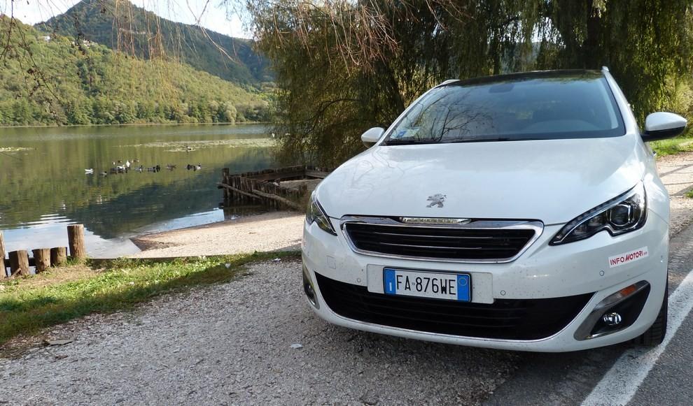 Peugeot 308 Station Wagon 2.0 turbodiesel 150CV prova su strada e prezzi - Foto 23 di 28