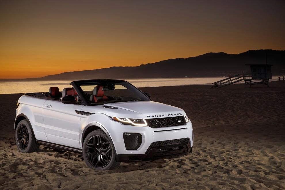 La sexy bond Girl presenta la nuova Range Rover Evoque Cabrio - Foto 1 di 39