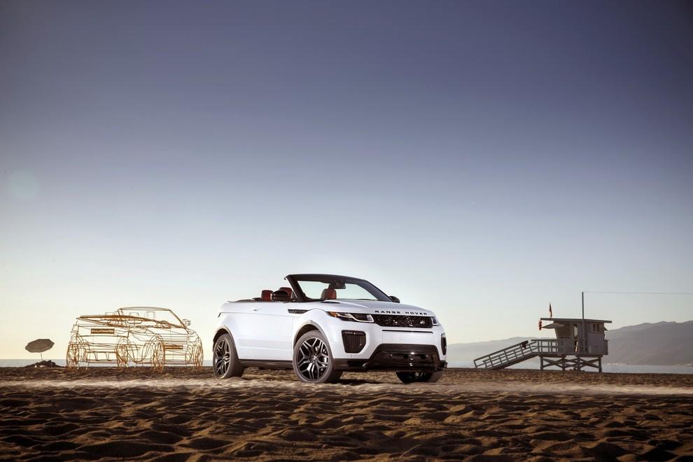 La sexy bond Girl presenta la nuova Range Rover Evoque Cabrio - Foto 5 di 39