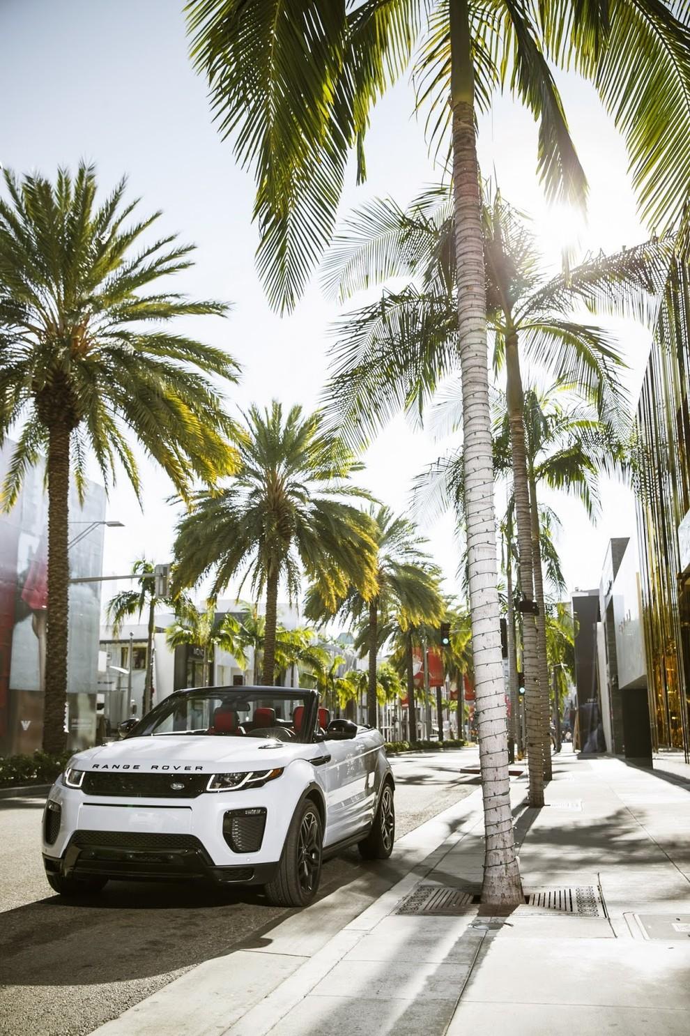 La sexy bond Girl presenta la nuova Range Rover Evoque Cabrio - Foto 8 di 39