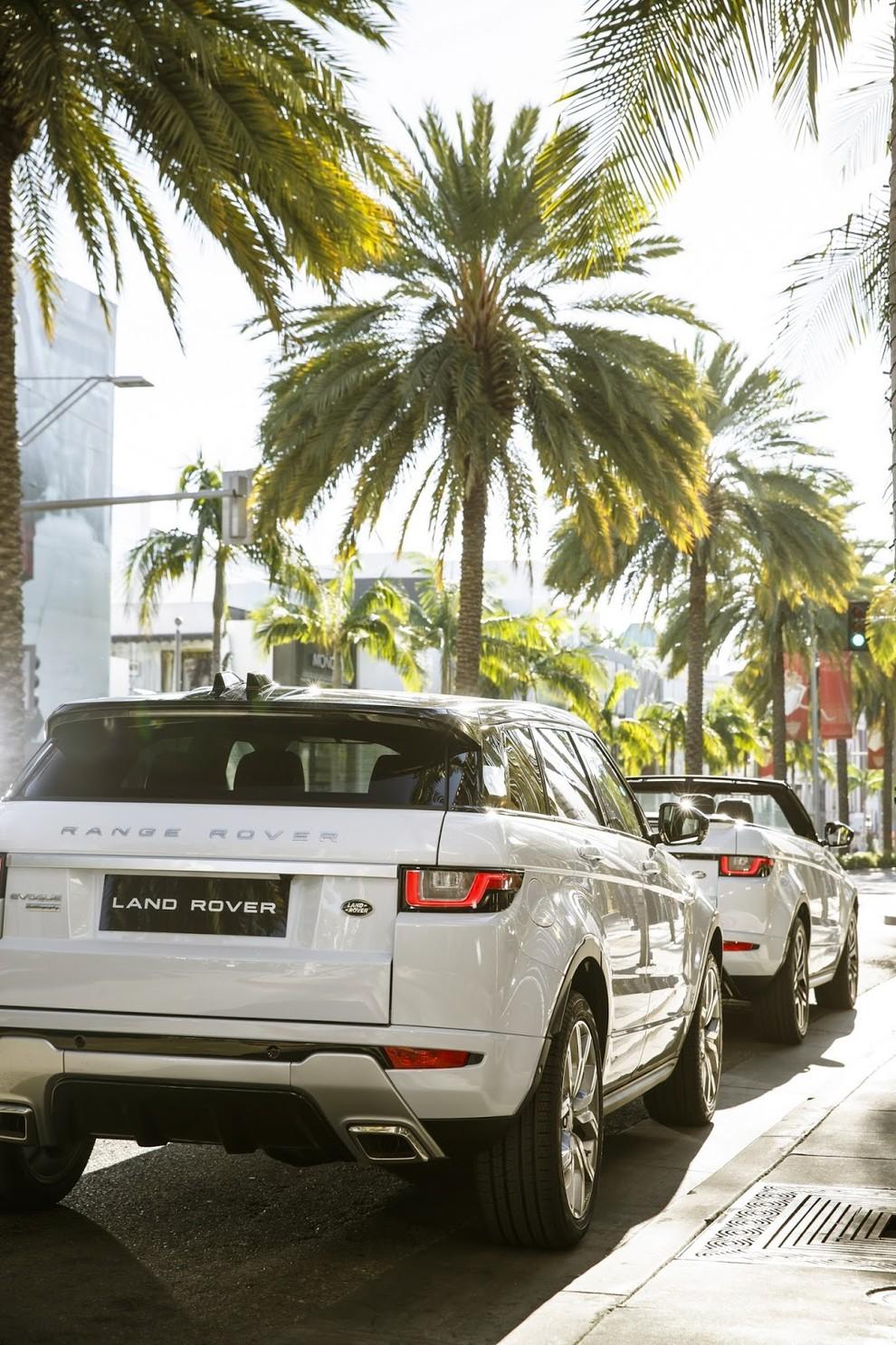La sexy bond Girl presenta la nuova Range Rover Evoque Cabrio - Foto 9 di 39