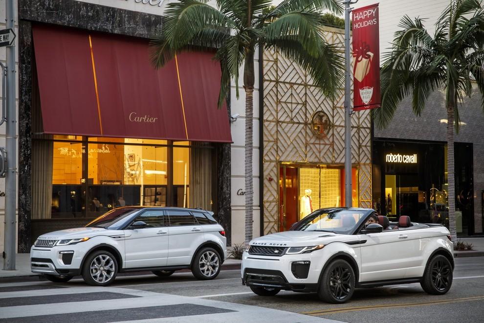 La sexy bond Girl presenta la nuova Range Rover Evoque Cabrio - Foto 16 di 39