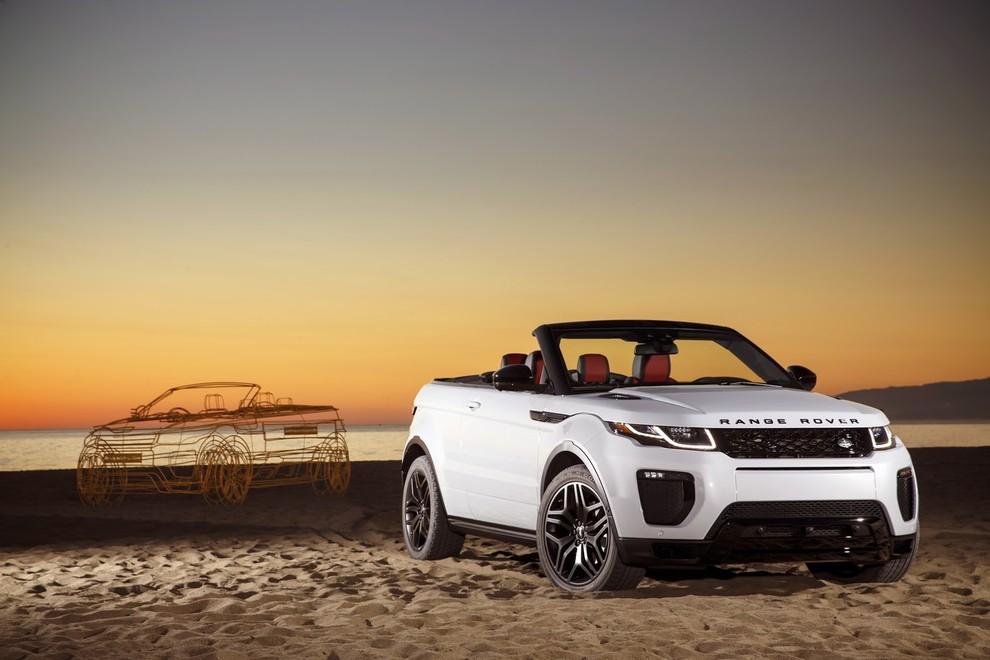 La sexy bond Girl presenta la nuova Range Rover Evoque Cabrio - Foto 34 di 39